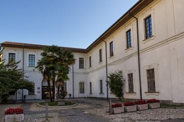 Palazzo Marliani Cicogna a Busto Arsizio. Foto di Di Cesco.pb - Opera propria, CC BY-SA 3.0, https://commons.wikimedia.org/w/index.php?curid=35360568